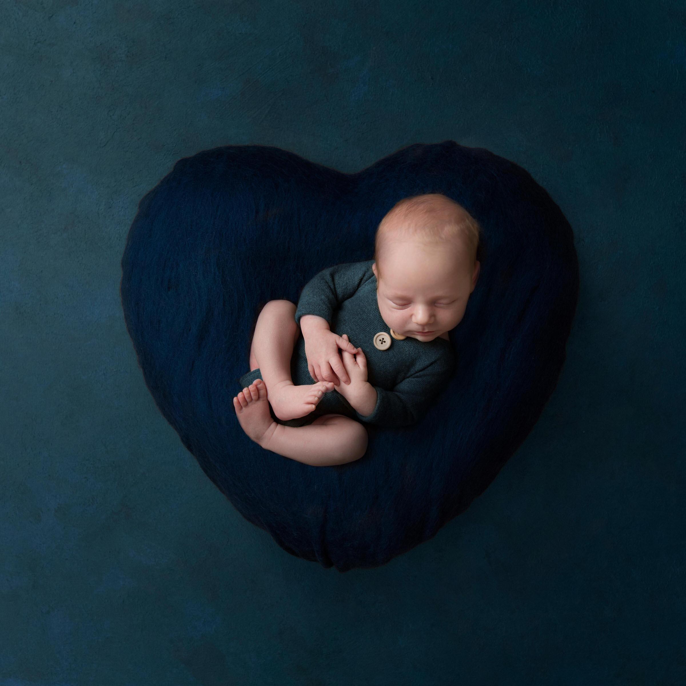 Newborn photographer in Essex