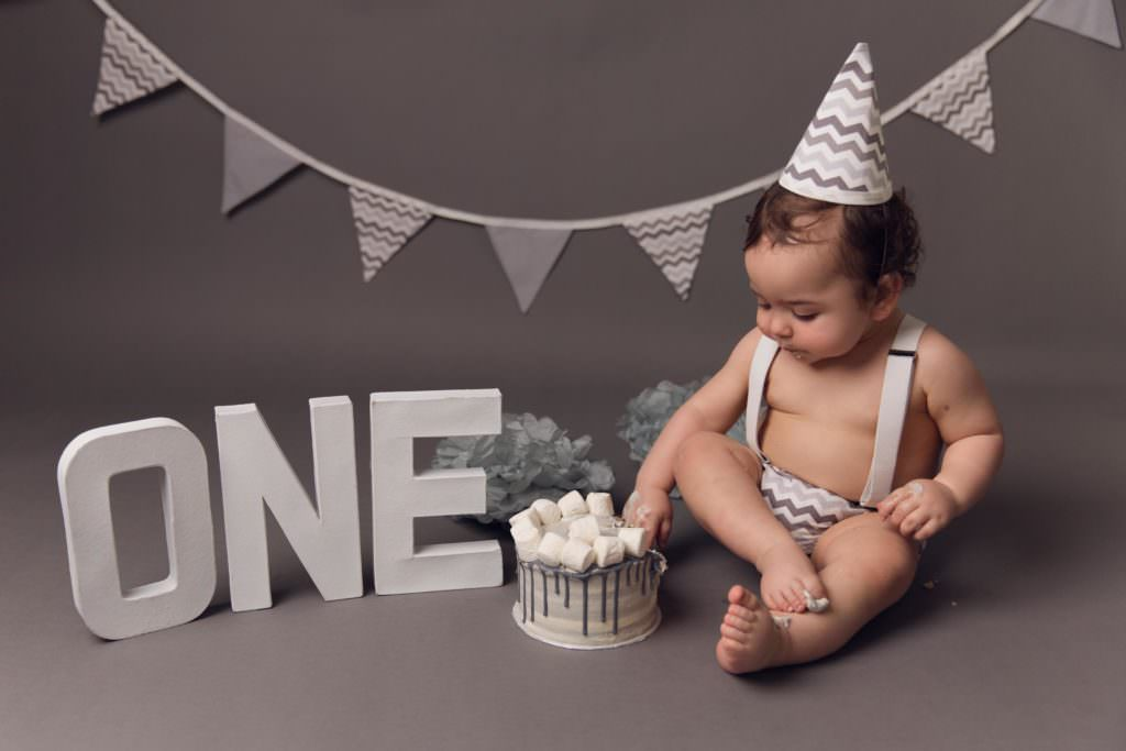 image of cake smash photographer essex